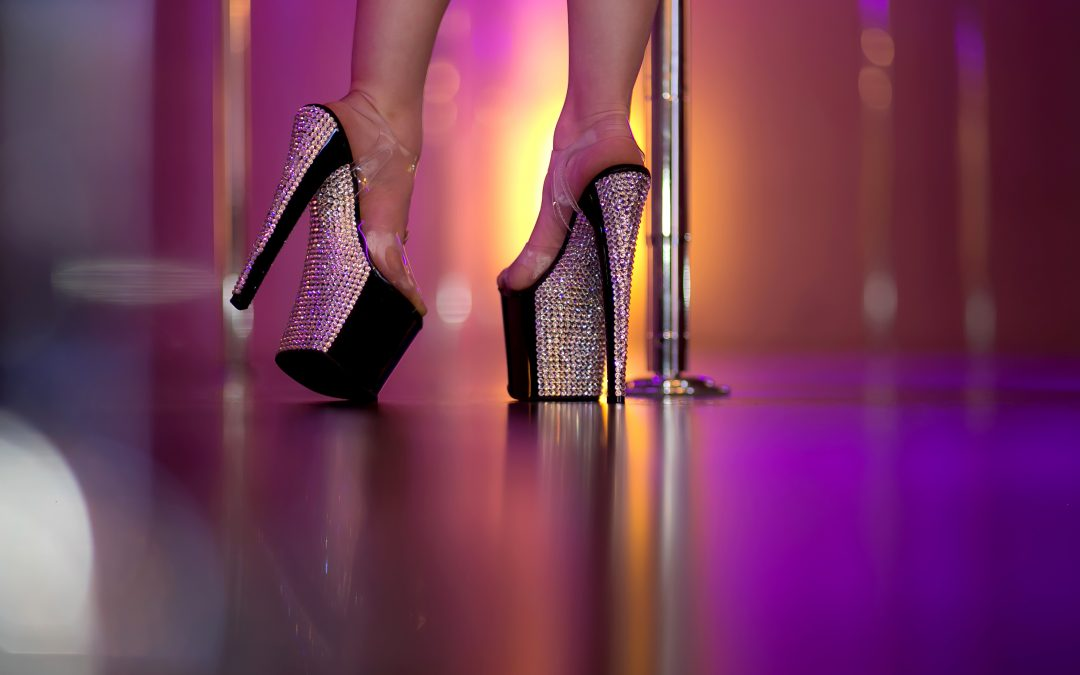 8c5a435e9d14 Best Pole Dance Shoes for Beginners! - The Dollhouse Fitness
